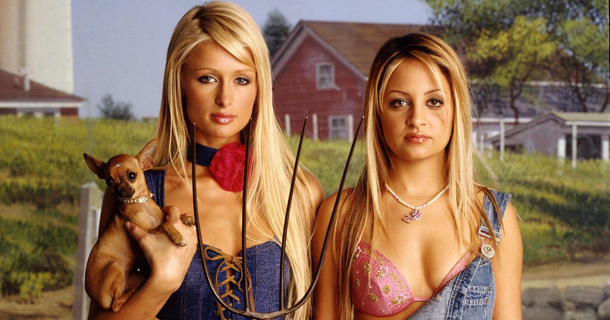 Θυμάστε το The Simple Life; Paris Hilton και Nicole Richie αποδεικνύονται οι δασκάλες του Influencing!